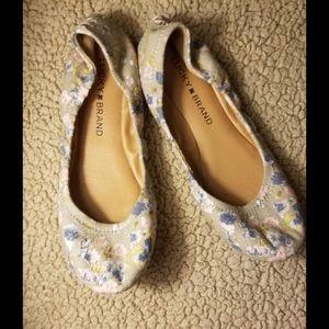 New!! Lucky Brand 6.5 Women's Tan Floral Flats